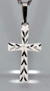 Strieborný krížik na krk SZK002