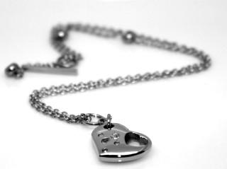 Ocelový náhrdelník B2392