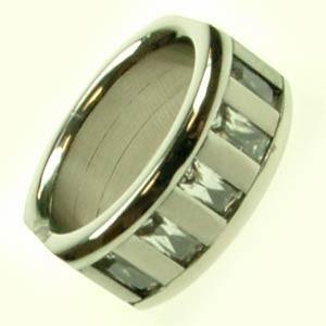 Oceľový prsteň so zirkónmi R1112